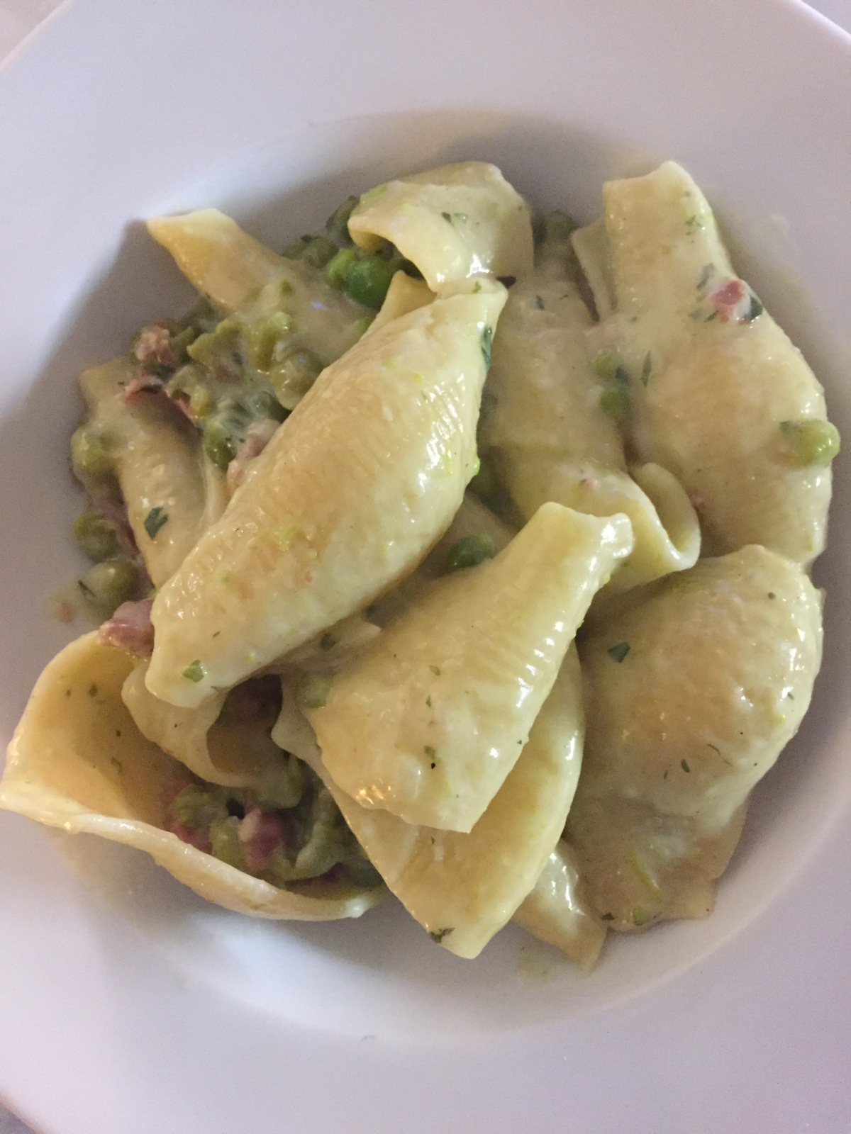 Pasta with Prosciutto and Peas in a White Creamy Sauce (in Bianco)